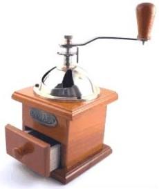 Kaffeemühlen  Alte Kaffeemühle - Antike manuelle Mühlen aus Holz im Test